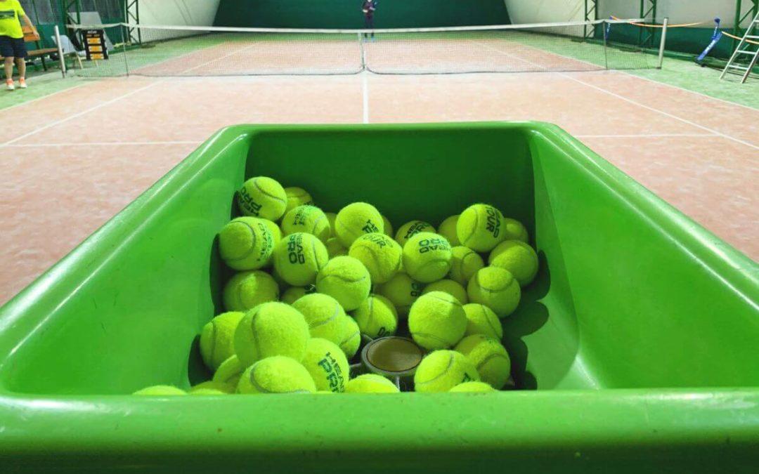Maszyna tenisowa czeka na naszych klubowiczów